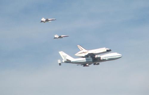 9_21_2012SpaceShuttleEndeavour1
